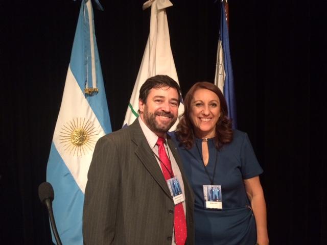 Presidente da ABM, Eduardo Tadeu Pereira, com Mônica Fein, anfitriã do evento e prefeita de Rosário