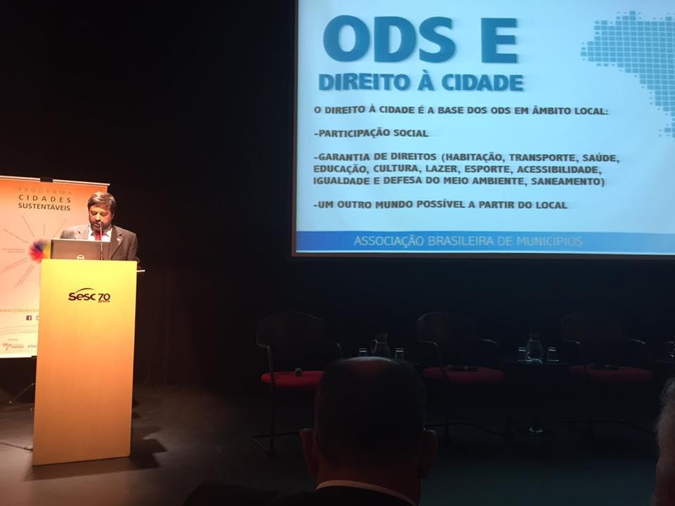 Presidente da ABM, Eduardo Tadeu Pereira, no lançamento do guia GPS, em São Paulo.